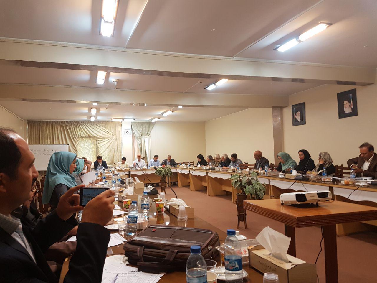 نشست شورای نمایندگان اتحادیه انجمن های علمی آموزشی معلمان فیزیک ایران